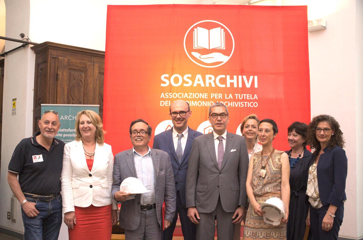 La salvaguardia di archivi e biblioteche in caso di calamità.